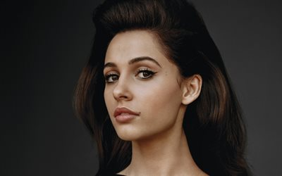 naomi scott, 4k, porträt, w magazine fotoshooting, hollywood, american, celebrity, beauty, brünette frau, amerrican schauspielerin, naomi scott fotoshooting, naomi scott 4k, eine junge schauspielerin, naomi grace scott