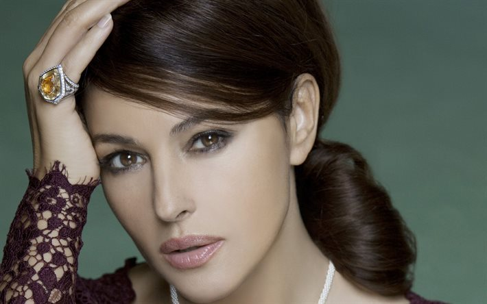Monica Bellucci, portrait, beautiful woman, Italian actress, beautiful eyes