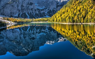 Lake Braies, Dolomites, mountain lake, mountain landscape, forest, Lago Di Braies, Pragser Wildsee, South Tyrol, Italy