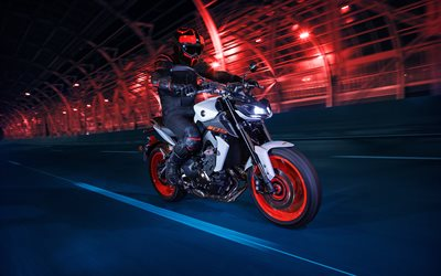 Yamaha MT-09, night, 2019 bikes, superbikes, japanese motorcycles, 2019 Yamaha MT-09, rider on motorcycle, Yamaha
