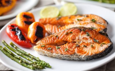 Fried fish, grilled salmon, seafood, fish dishes