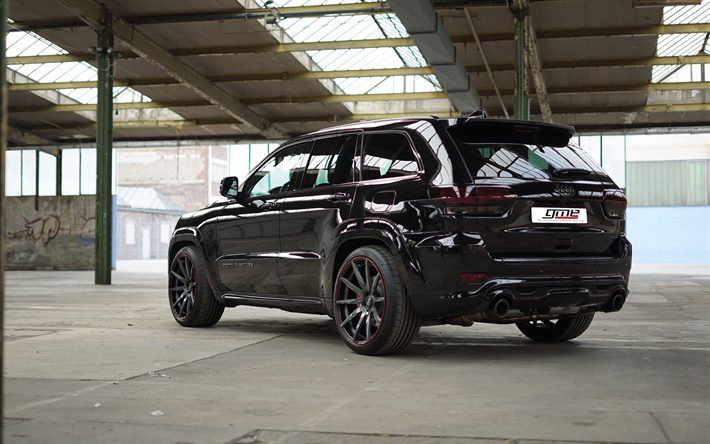 Jeep Grand Cherokee SRT8 - yüksek teknoloji ürünü SUV