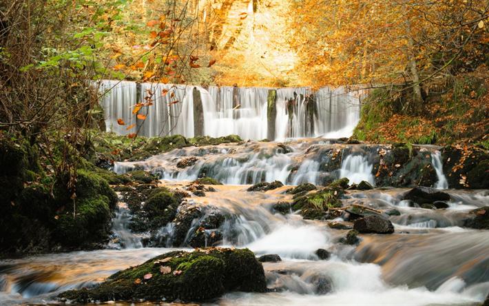 foto de Télécharger fonds d'écran belle chute d'eau à l'automne