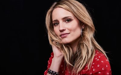 Dianna Agron, portrait, smile, American actress, blonde, beautiful woman