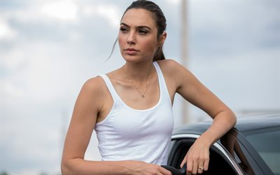 Keeping Up With The Joneses, spy thriller, comedy, Gal Gadot, Natalie Jones