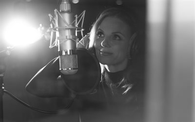 Geri Halliwell, 4k, British singer, portrait, British celebrities, woman near microphone, sound recording studio, Geraldine Estelle Halliwell