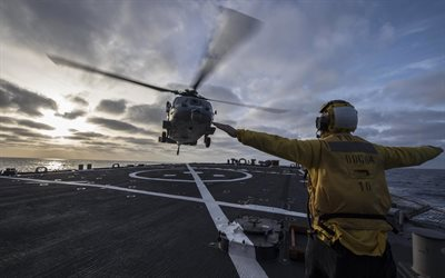 Sikorsky SH-60 Seahawk, USS Carney, DDG-64, US Navy, Mediterranean, Deck Multipurpose Helicopter, USA, landing on a warship