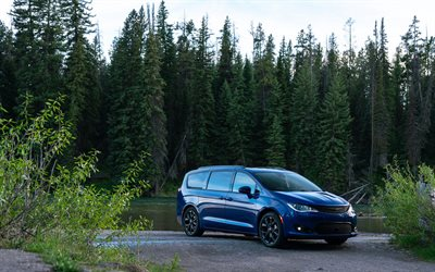 2019, Chrysler Pacifica, exterior, front view, blue minivan, new blue Pacifica, american cars, Pacifica Limited, Chrysler