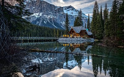 Emerald Lake, mountain lake, mountain landscape, rocks, winter, forest, Canada, Canadian Rocky Mountains, British Columbia, Yoho National Park