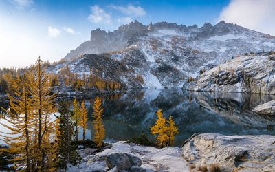 Leprechaun Lake, mountain lake, autumn, snow, mountain landscape, USA, Cascade Range, Washington State