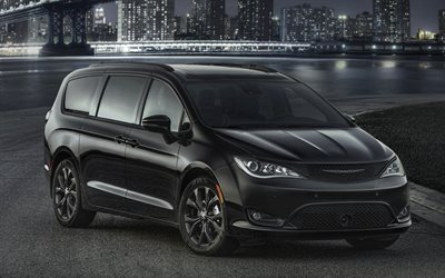 Chrysler Pacifica S, 2018, Family Minivan, new cars, black Pacifica, American cars, Chrysler