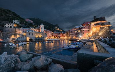 Vernazza, Cinque Terre, evening, bay, coast, mediterranean sea, Liguria, Italy