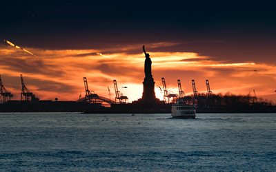 Statue of Liberty, New York, evening, sunset, silhouette against the sun, USA, United States of America