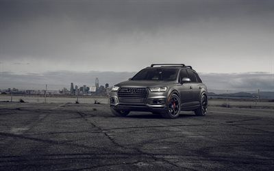 Audi Q7, 2021, front view, luxury gray SUV, tuning Q7, new gray Q7, black wheels, german cars, Audi