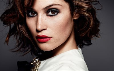 Gemma Arterton, British actress, portrait, make-up for brunettes, freckles