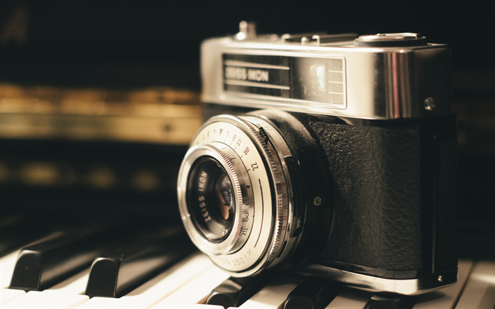 old camera, canon, retro style, piano, camera, retro background, photo concepts