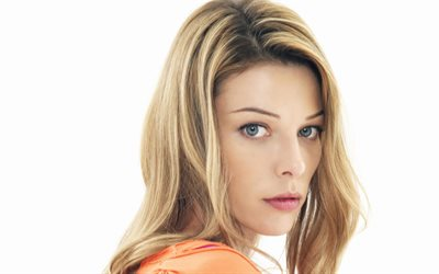 Lauren German, actrice américaine, portrait, séance photo, robe orange, belle femme