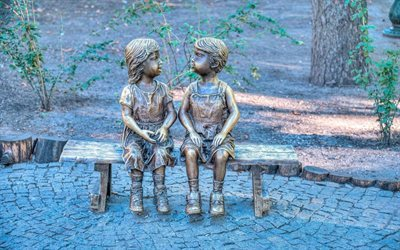 two girls, bronze sculpture, gorky park, kharkov