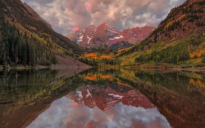 Maroon Bells, Crater lake, Elk Mountains, Maroon Peak, Colorado, USA