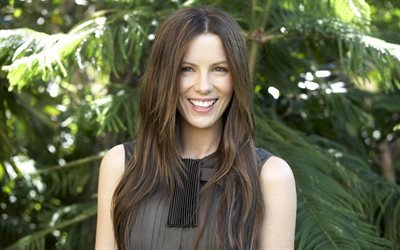 Kate Beckinsale, smiling, brown hair, beautiful woman, portrait, actress