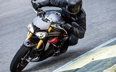 motorcyclist, 2016, in motion, triumph