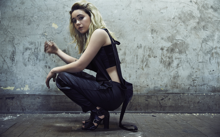 Bea Miller, American singer, beautiful blonde, make-up, black suit, young singer