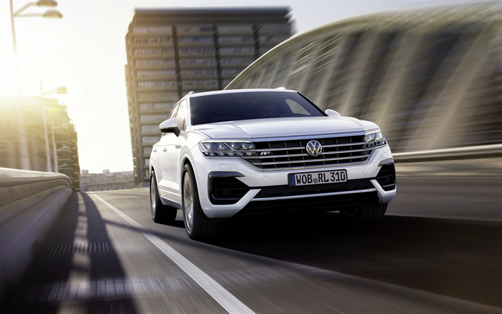 Download wallpapers Volkswagen Touareg, 2018, white SUV