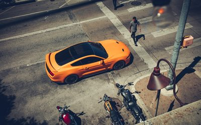 Ford Mustang, 2020, vista dall'alto, arancione sport coupé, nuovo orange Mustang, american auto sportive, Mustang GT, Ford