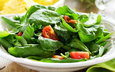 spinach and tomato salad, 4k, green spinach leaves, healthy food, diet, shpitan, tomatoes, spinach salads