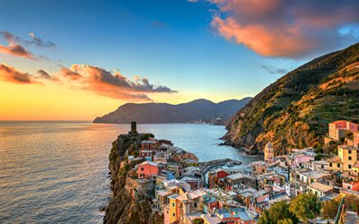 Ligurian Sea, sunset, Vernazza, coast, Cinque Terre, Liguria, Italy