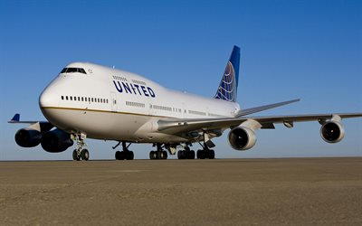 Boeing 747, Passenger airliner, airliner, United Airlines, air travel, airplane at the airport, Boeing