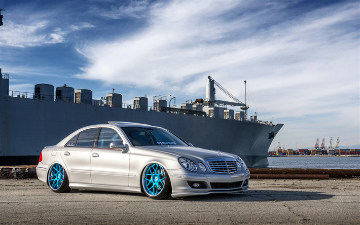 download wallpapers mercedes benz e class low rider. Black Bedroom Furniture Sets. Home Design Ideas